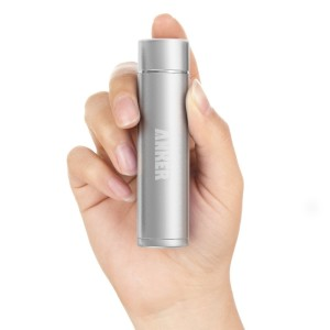 Anker Astro Mini - in der Hand